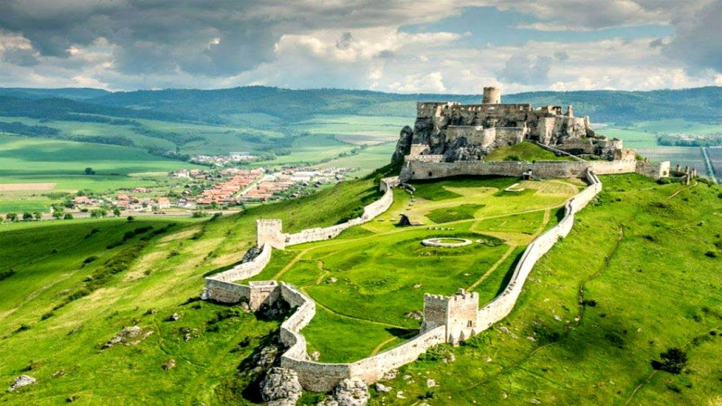 замок-град-словакия-природа-руины