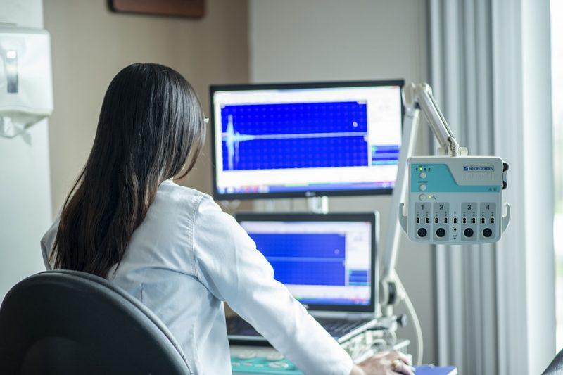 обследование-врач-кабинет-медицина
