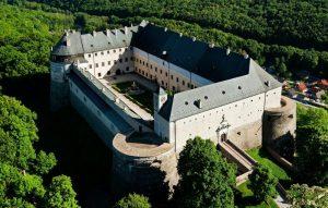 Замок Червени-Камень
