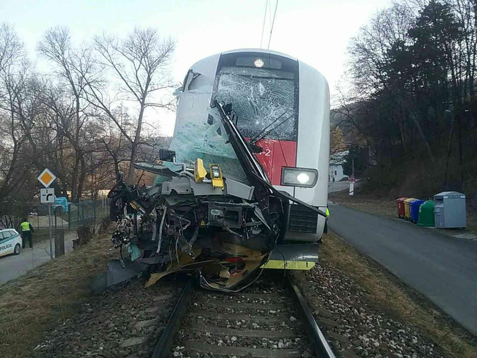 авария поезд автобус