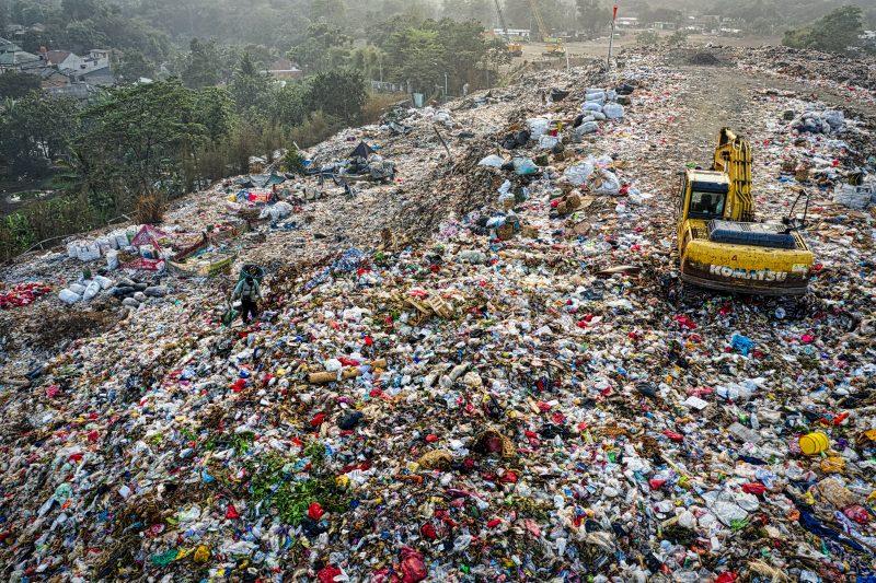 экология мусор свалка